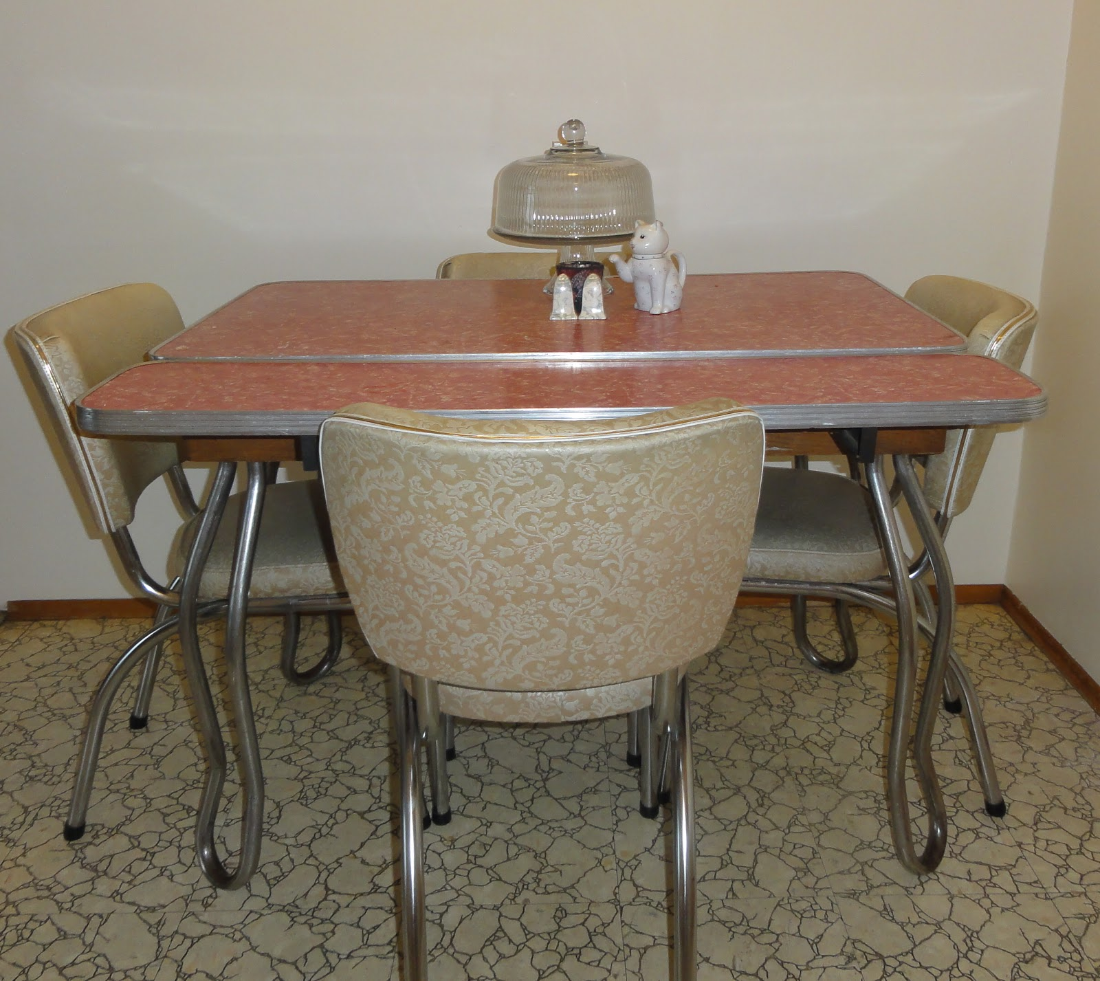 1000 images about dinette sets all different styles for Different kitchen tables