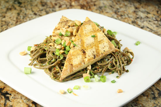 ALL i WANNA DO is BAKE!: Grilled Tofu with Spicy Soba