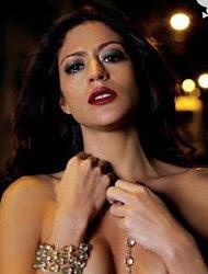 Carol Castro em uma das fotos do ensaio