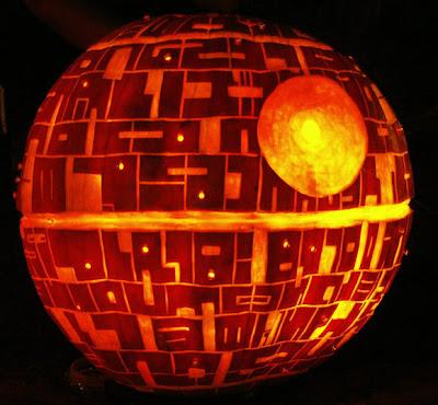 Abóbora de Dia das Bruxas no formato da Estrela da Morte (Deathstar), de Star Wars