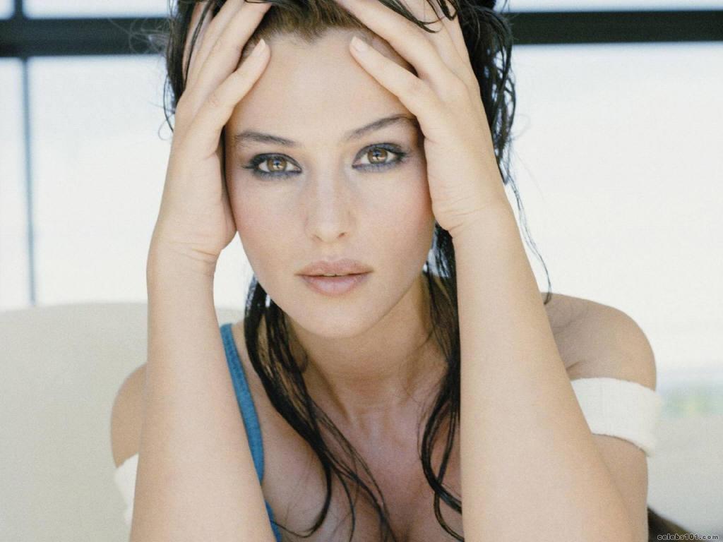 http://2.bp.blogspot.com/_nqesDblDlCI/TOfM047VkXI/AAAAAAAAJnY/-kscjiiV2U8/s1600/Monica_Bellucci_112.jpg