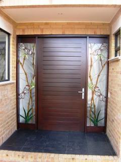 Beboraggio puerta entrada principal casa luz ussa for Disenos de puertas de entrada principal