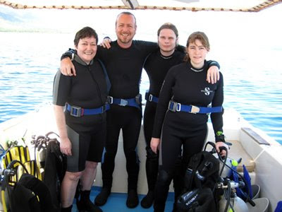 Captain Paul M Turley & SDI Open Water Scuba Diver students Sabine, Kevin and Laura