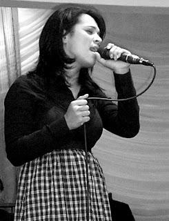 Daniela+Araujo Daniela Araujo   (Voz)