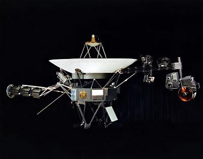 http://2.bp.blogspot.com/_nsrqcl1DVdA/TL4yZ6DKzFI/AAAAAAAAHOY/6kLIZKVvPFM/s1600/766px-Voyager.jpg
