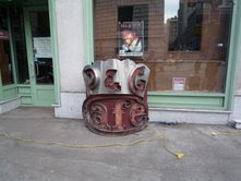 Antiques Amicable Rococo Heavy Antique Iron Fire Dogs Ready To Use Or Upcycle As Bookends Heavy Architectural & Garden