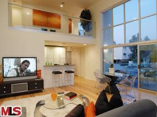 1029 Vista West Hollywood condo