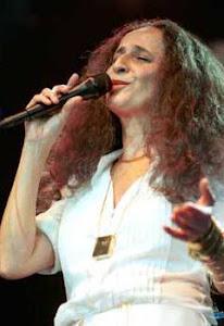 Maria Bethânia - Cantora - Nasceu em 1946.