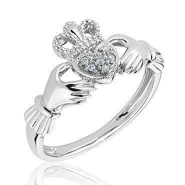 How to wear the Claddagh Ring: Wear the ring on your .
