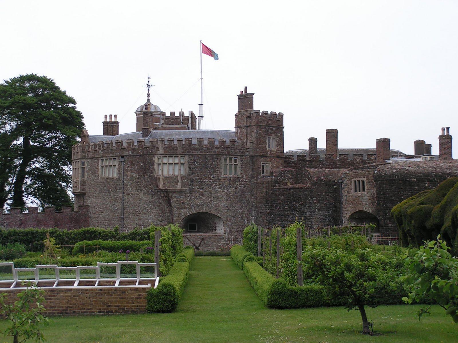 leeds castle kent england Wallpapers HD - leeds castle kent england wallpapers