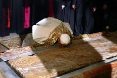 """Foto 0 en  - Discurso de Benedicto XVI en el Santo Sepulcro: Aqu� Cristo """"nos ha ense�ado que el mal nunca tiene la �ltima palabra"""""""