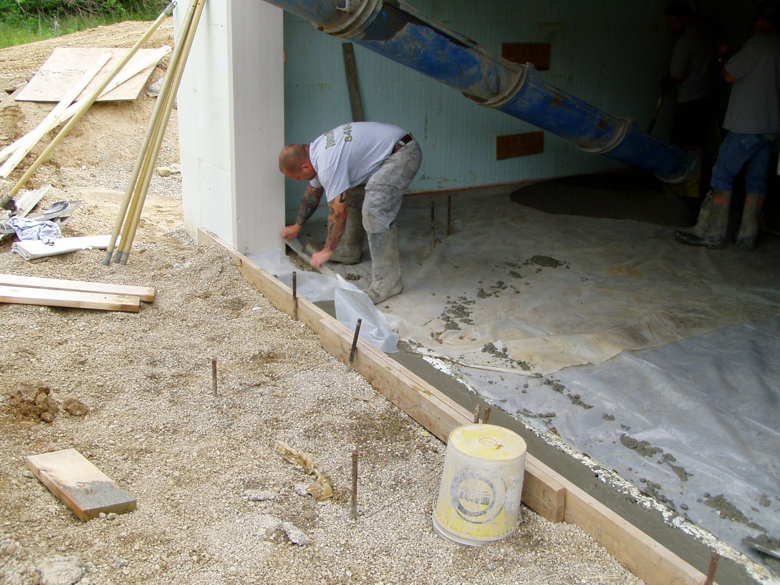 Building my hobbit hole another 10 yards of concrete for House foundation options