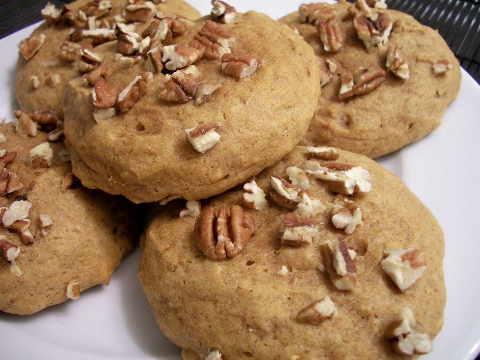 Brooke Bakes : Pumpkin Pecan Cookies