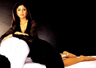 Shilpa Shetty bare feet in black dress - HOT!