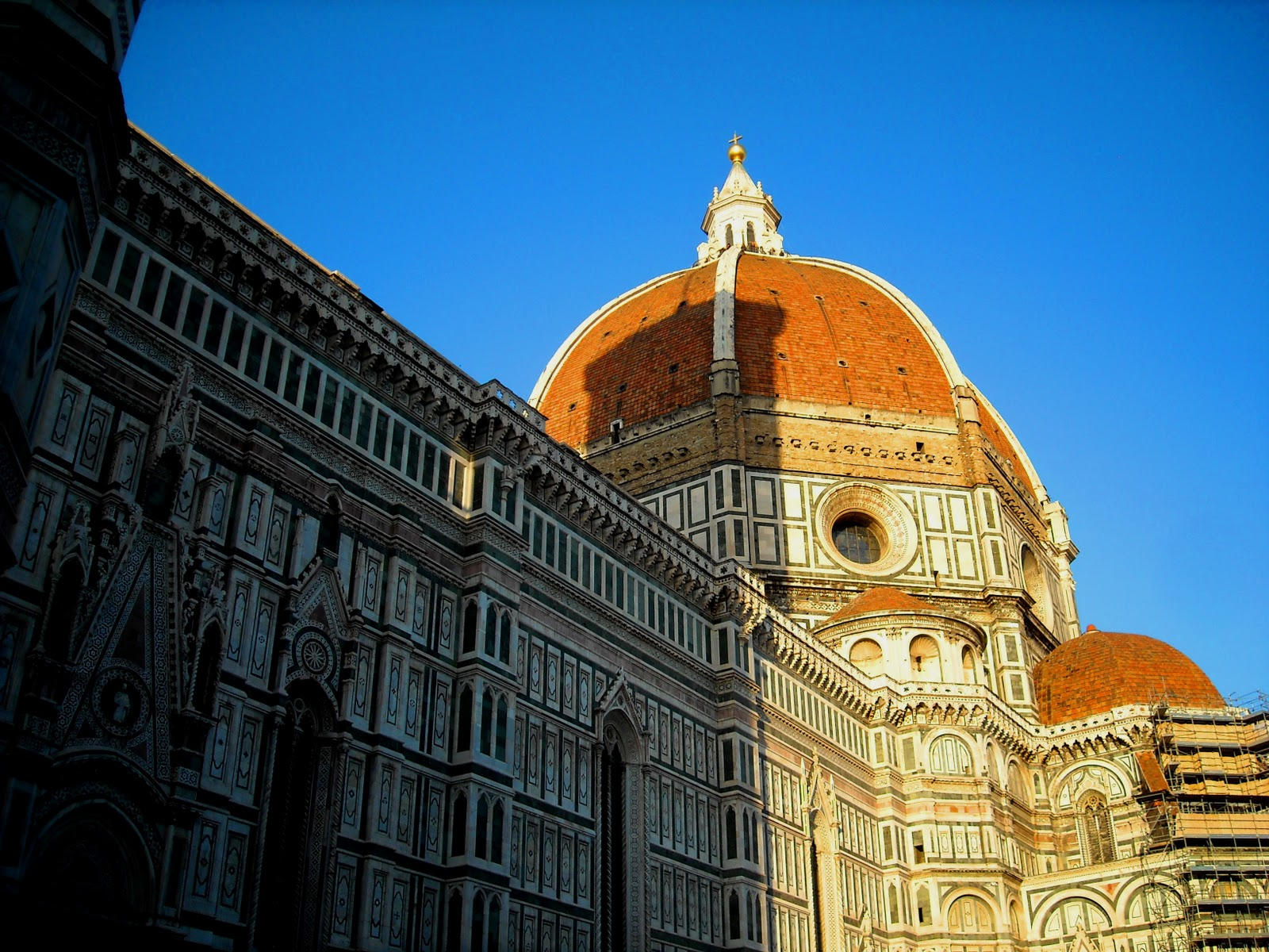 essays about brunelleschis duomo Filippo brunelleschi's father was brunellesco di lippo who was a although the duomo santa maria del fiore was the most famous of brunelleschi's architectural.