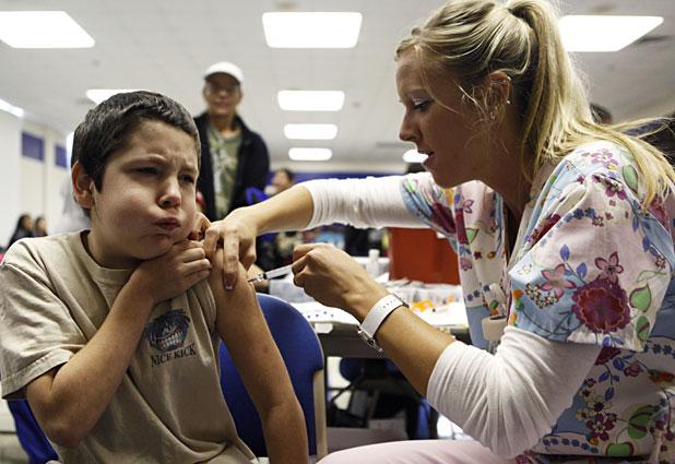Prueban con éxito vacuna universal contra todas las cepas de la gripe.