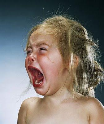 http://2.bp.blogspot.com/_nypvXrcbQYw/Sqh9_KcrtRI/AAAAAAAAGXU/1fquEsLFw24/s400/crian%C3%A7a+chorando.jpg