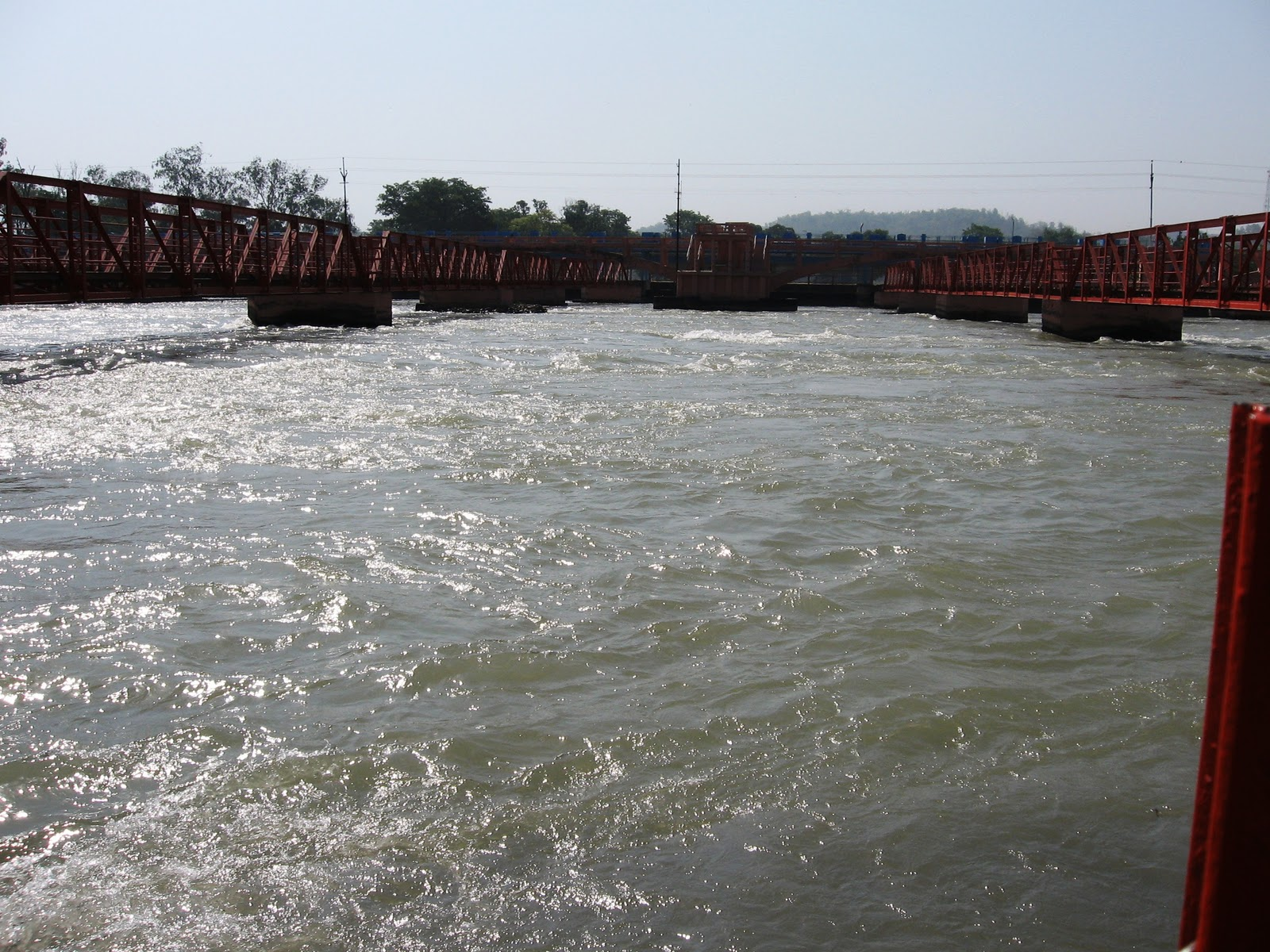 ganga rever 2018-6-8 the river ganges, also known as the ganga, flows 2,700 km from the himalaya mountains to the bay of bengal in northern india and bangladesh regarded.