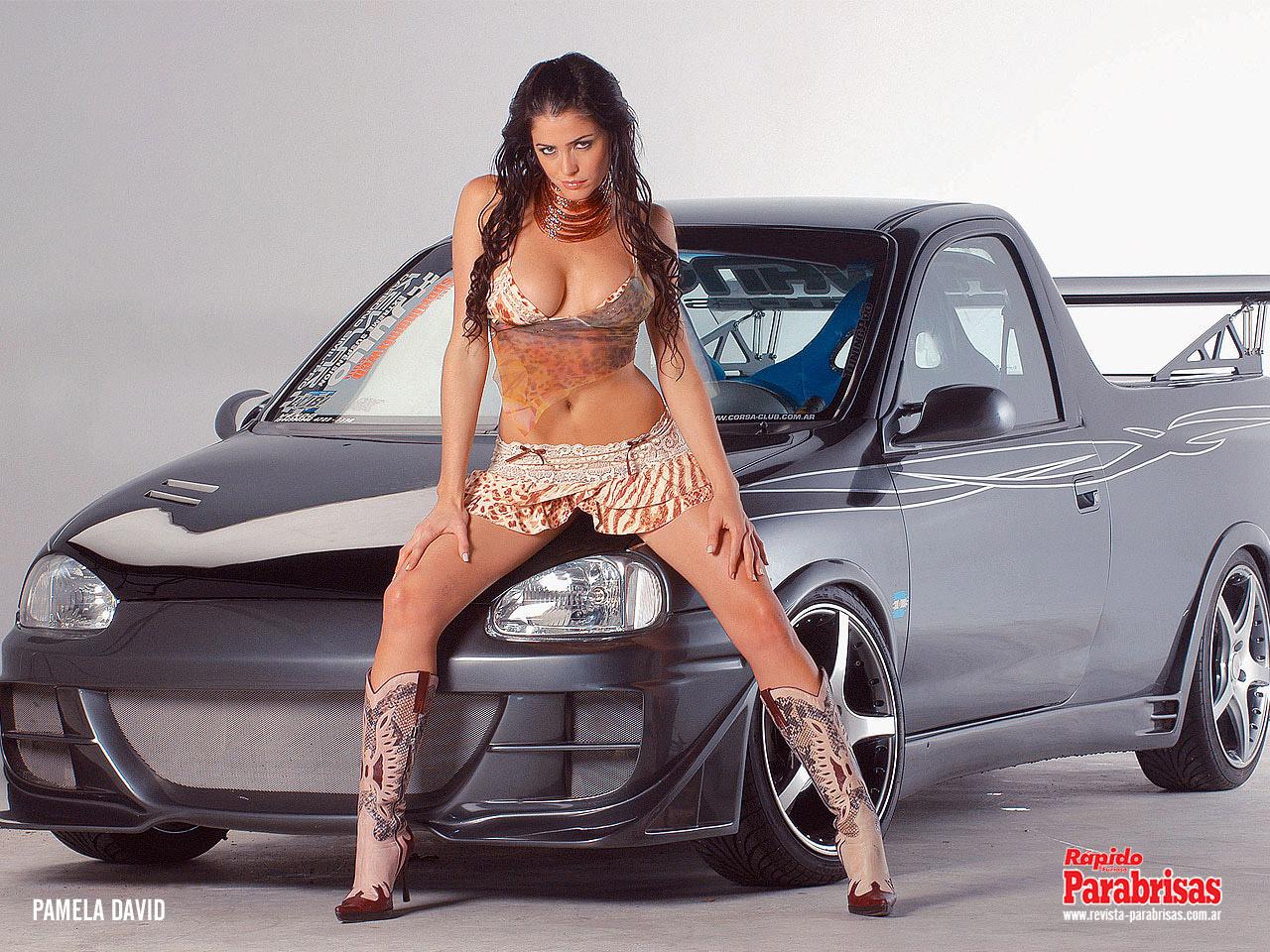 Фото девушки авто 240 320