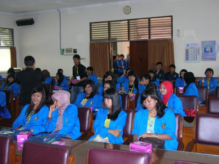 Ekonomi Universitas Pancasila Ekonomi Universitas