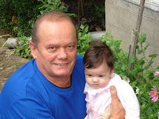 şi bunicul cu nepoţica