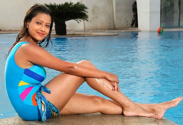 Sexy gossip about south indian actress
