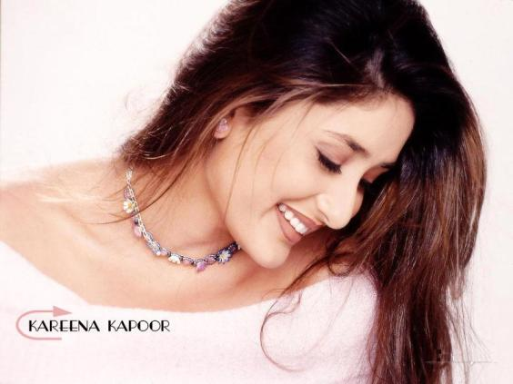 kareena kapoor sexy and hot wallpaper 2011. KAREENA HOT WALLPAPERS - Page 4