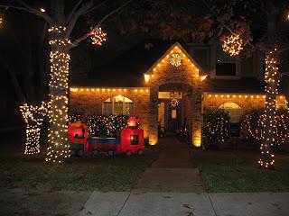 украшение домов к Рождеству