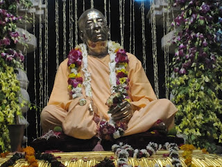 Srila Prabhupada's murti at his samadhi