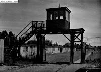 הכניסה למחנה שטוטהוף