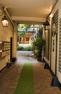 Kreider's Korner Photographs: Entryways to hidden courtyards in ...