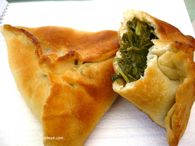 ... of Us: Individual Spinach Pies (Fatayah) Bet ya can't eat just one