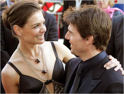 tom cruise body. tom cruise and katie holmes
