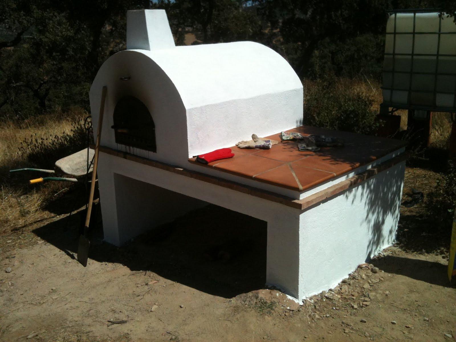 Observatorio de pr cticas procesales irregulares hornos de barro probamos el de un vecino que - Como cocinar en un horno de lena ...