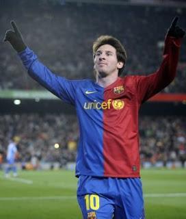 Messi Elegedio El Balon De Oro De Europa 2009