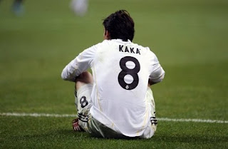 Kaka Estara Fuera De Las Canchas Tres o Cuatro Meses