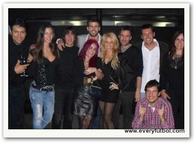 Fotos De Shakira Con Piqué ¡ Confirmado El Noviazgo !