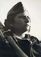 η γυναίκα στην αντίσταση