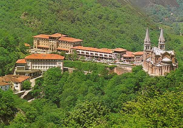 Covadonga,hoteles,visitas,fotos.