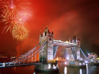 Tower Bridge podul londrei