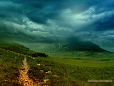 Peisaje cu munti si vai