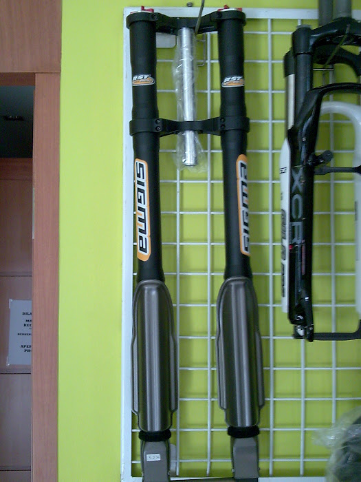 For Sale: RST SIGMA DH. Travel 200mm Up side Down Rp. 3.100.000,-