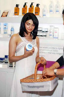 Prachi Desai at Neutrogena Anniversary Event