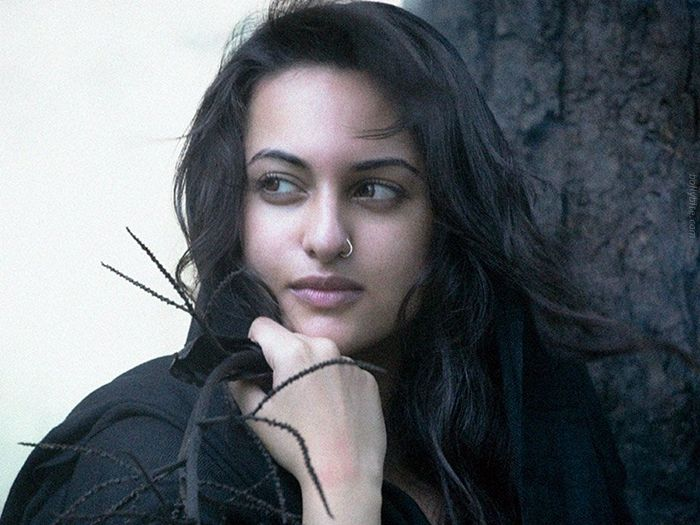 Pleasing Beauty  Sonakshi Sinha Gallery wallpapers