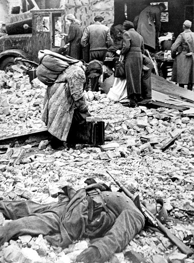 German Atrocities During WW2: Part 2: Russia - Blogger