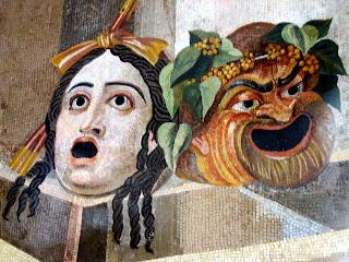 Máscaras de teatro de tragedia y comedia - Mosaico romano del siglo II - Museos Capitolinos