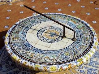 Reloj de sol de la Plaza de América - Sevilla
