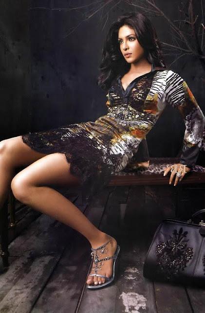 Sexy Style Priyanka Chopra