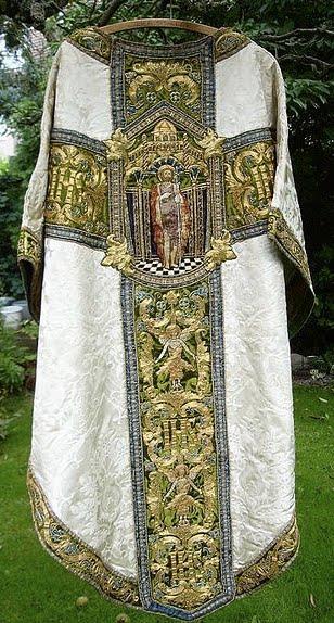 http://2.bp.blogspot.com/_oN5K_WcO5JM/TGIG83iG7zI/AAAAAAAAGac/3bMU7D2RjEw/s1600/Chasuble.jpg