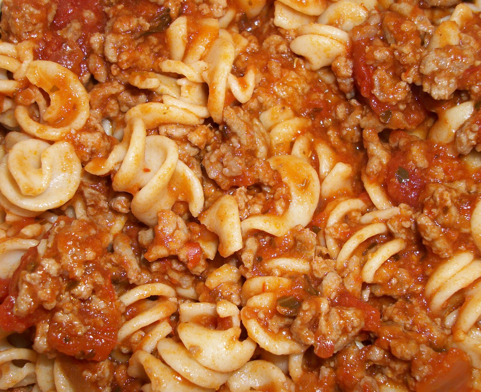 ... With Melissa?: Whole Wheat Sprial Pasta with Sweet Basil Meat Sauce